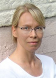 Marie Holmberg Behandlingen ska kännas tillåtande och klienten är hela tiden med och bestämmer vilka tankefält som känns viktiga att behandla. - marie
